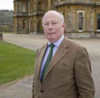 julian-fellowes_custom-c48719149534279f38f23f2324ea101b13cf605a-s6-c10