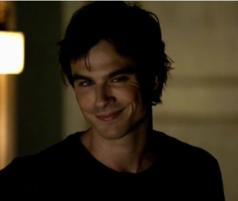 Damon-3-the-vampire-diaries-28002589-426-361